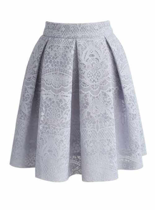 Krátka skladaná sukňa s čipkou, šedá