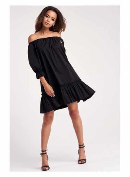 Čierne šaty s volánikmi a vyšívanou kvetinou