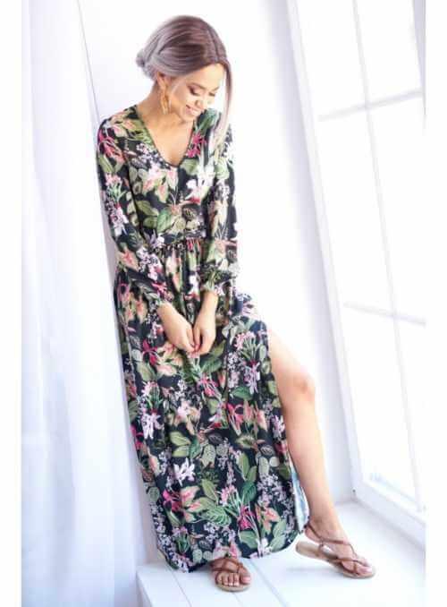 """Šaty """"MAXI ČIERNE KVETY""""- dámske šaty s kvetinovou potlačou"""