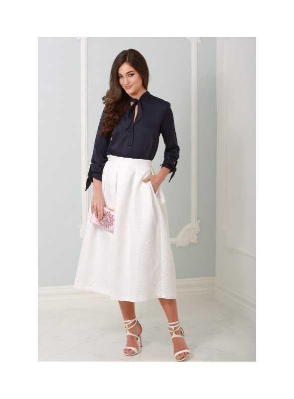 b778b49a140c Znížená cena Biela jaquard midi sukňa