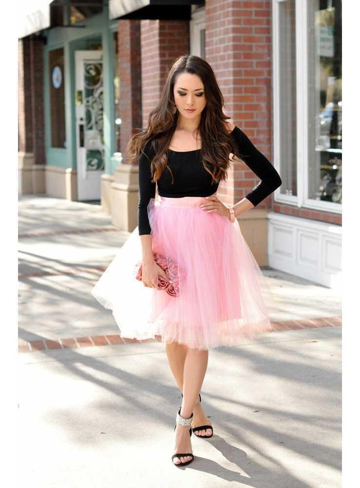 Lunicite RUŽOVÝ TULIPÁN – exkluzívna tylová sukňa bledo ružová ... 0e7214866d