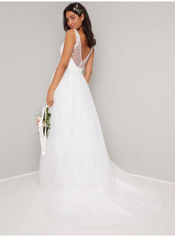 Svadobné čipkové šaty