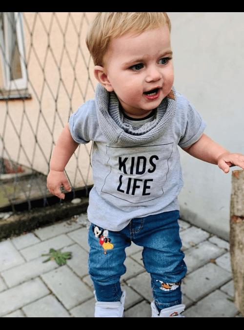 kidslife_sedetricko