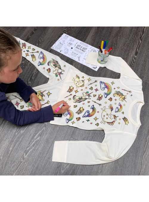 """""""Sen o jednorožcoch - detské pyžamo na vyfarbovanie""""- 3-4 roky"""