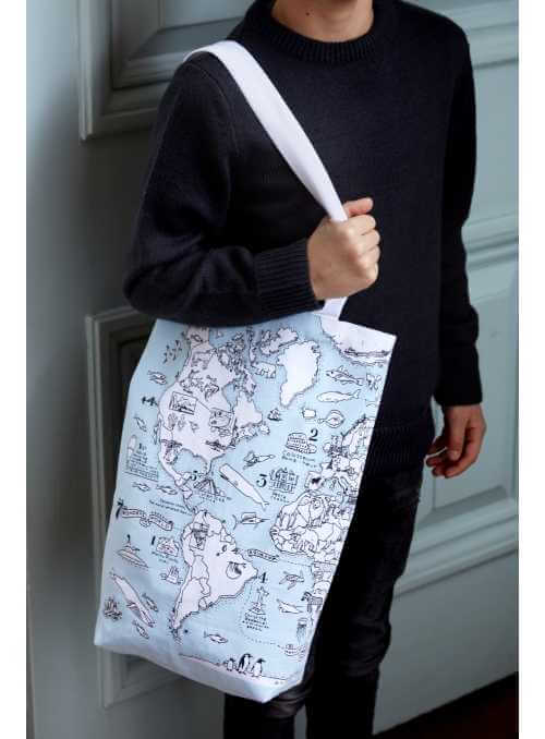 World Map - large shoulder bag - color and learn