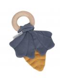 Modré listy na drevenom krúžku, hryzátko hračka pre bábätko - kolekcia Pure&Nature