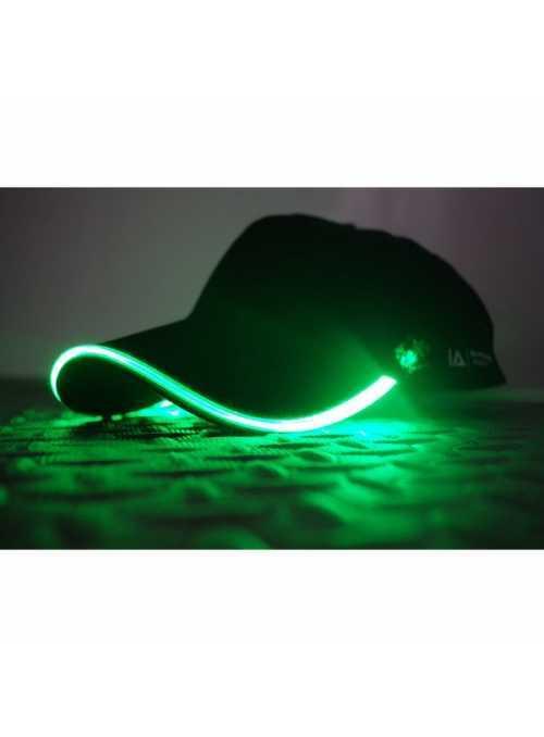 Iluminační kšiltovka se zeleným světlem