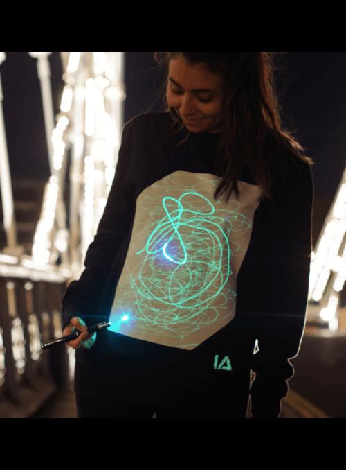 Zábavný iluminačný top pre deti s dlhým rukávom čierny + laser pero