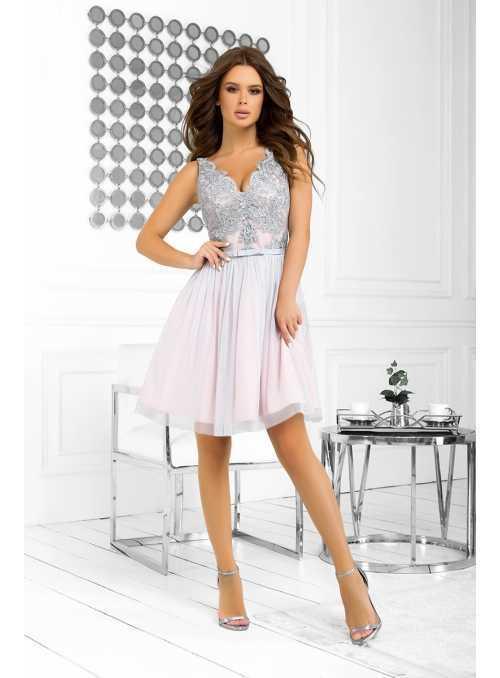 Bella via - mini šaty s krajkou a padavou sukní, šedo-pudrové