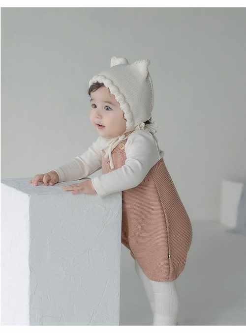 Krémová detská čiapočka s uškami
