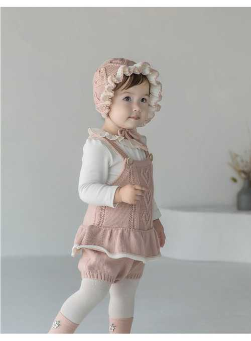 Detský pletený overal na traky so srdiečkami, ružový