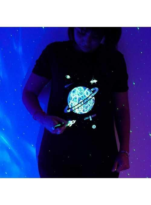 LIMITKA Detské zábavné iluminačné tričko čierne PLANÉTA +laser svetielko