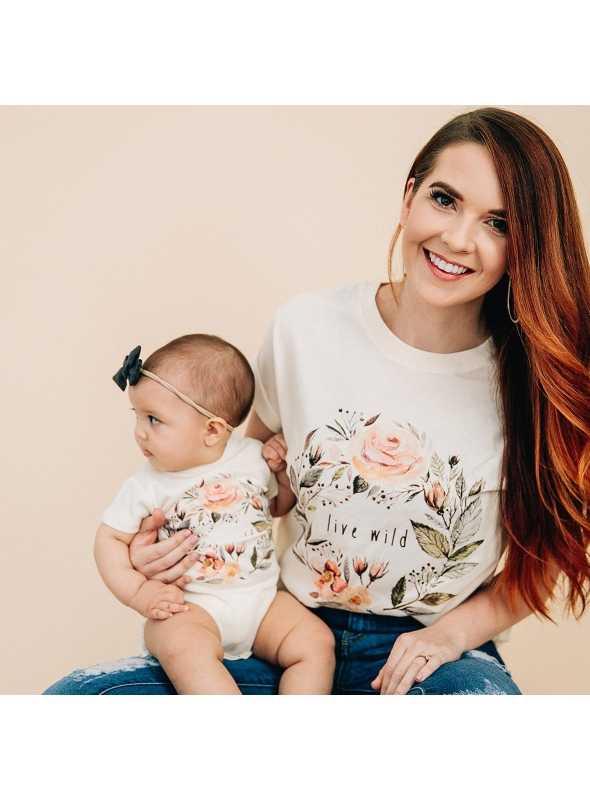 Live wild - dámske tričko s ružičkami, matching rodinné