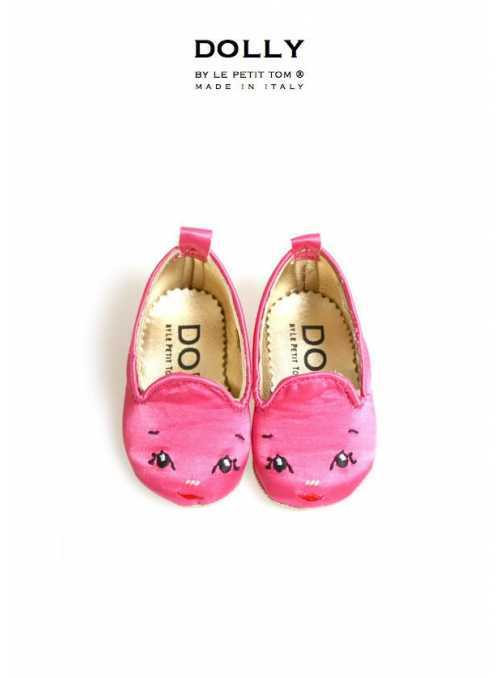 DOLLY by Le Petit Tom ® BABY SMOKING SLIPPERS 5SL fuchsiový satén s DOLLY tváričkou
